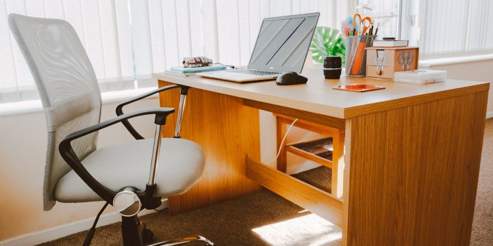 Tips For Finding The Best Computer Desk For Your Needs